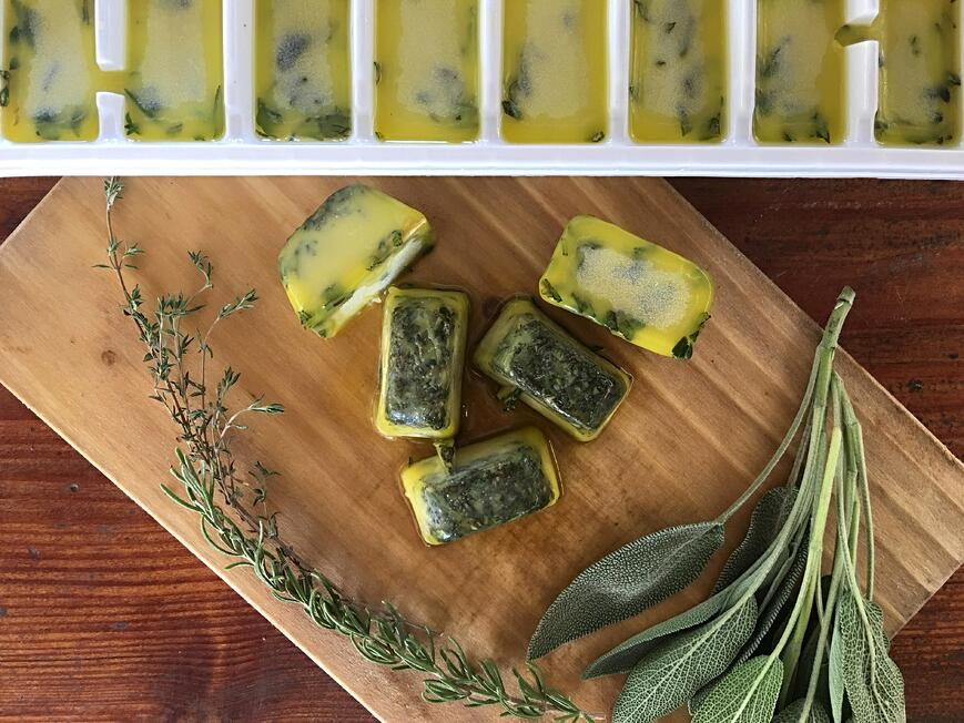 FREEZE & PRESERVE HERBS IN OLIVE OIL