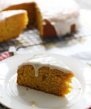 Pumpkin-Olive-Oil-Cake-with-Brown-Butter-Glaze-4-392425-edited