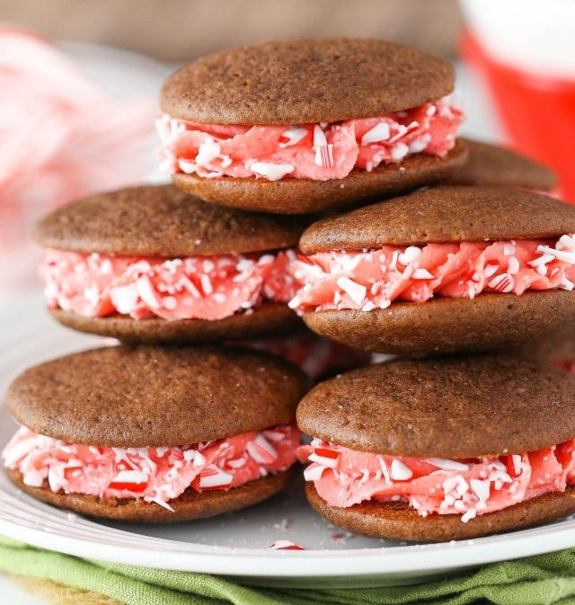 gallery-1479502476-delish-candy-cane-sandwich-cookies-687321-edited.jpg