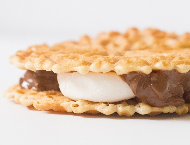 italian waffle cookie smore-173497-edited.jpg