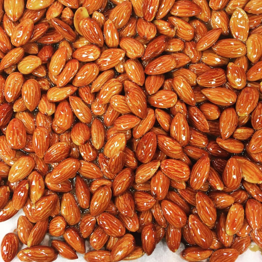 peach balsamic almonds